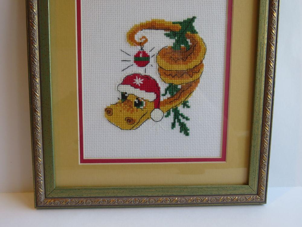 зелёная змейка, картина в гостиную, вышивка крестом, ручная работа