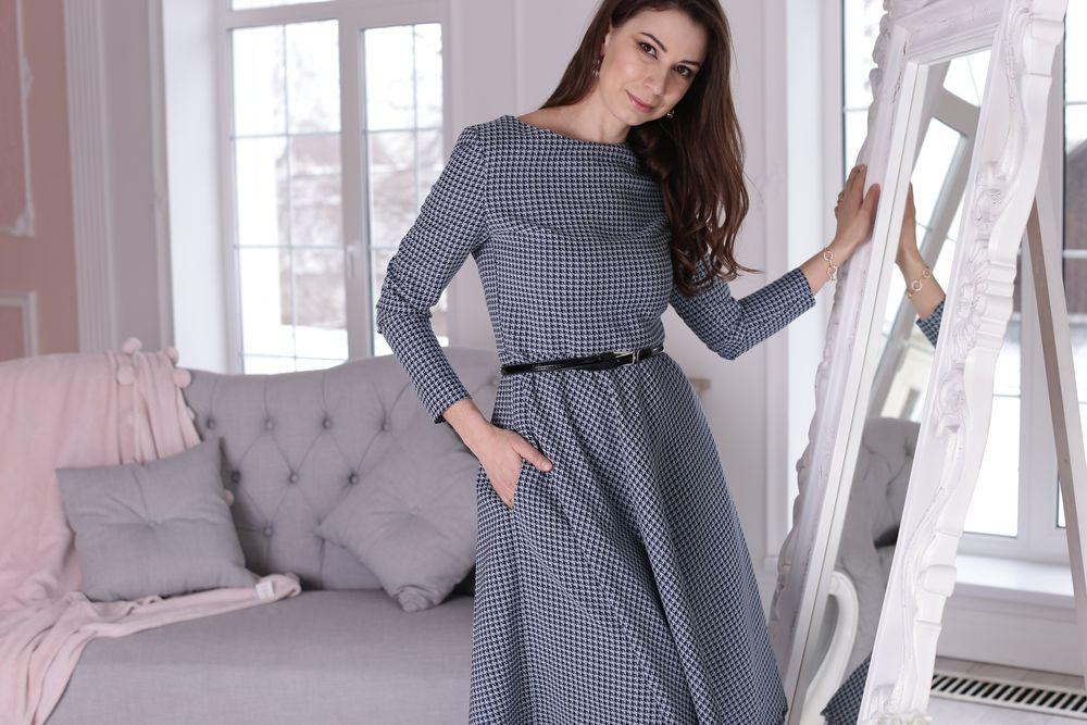 фиолетовое платье, юбка миди