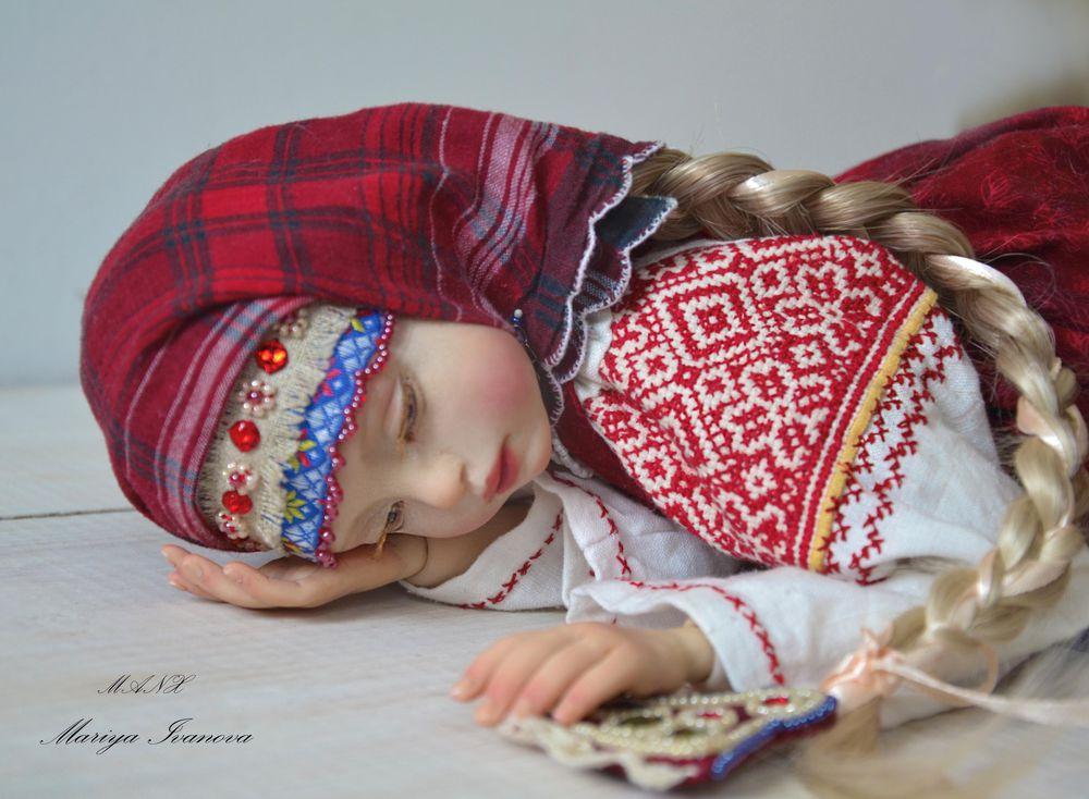 кукла в народной одежде