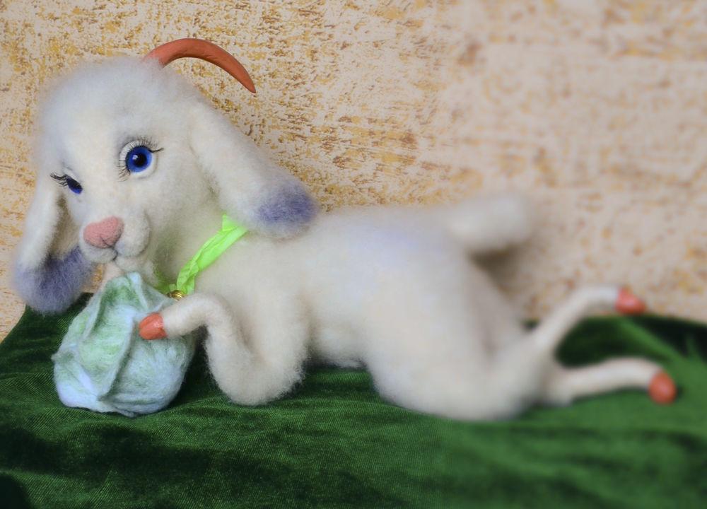 коза игрушка