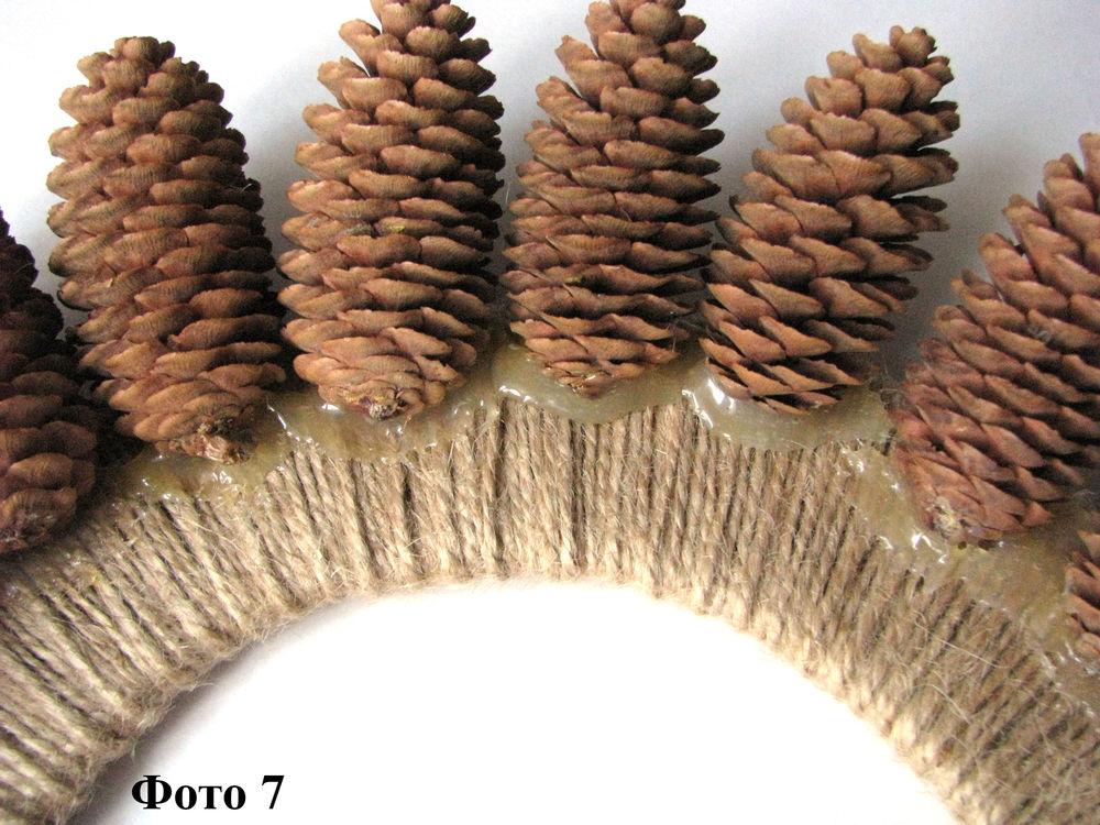 Мастерим Рождественский венок из еловых шишек, фото № 8