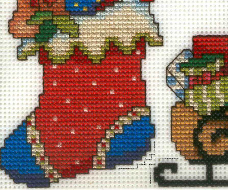 Новогодняя вышивка крестом на пластиковой канве 71