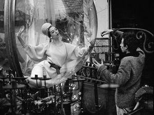 The Famous 'Bubbles' by Photographer Melvin Sokolsky. Livemaster - handmade
