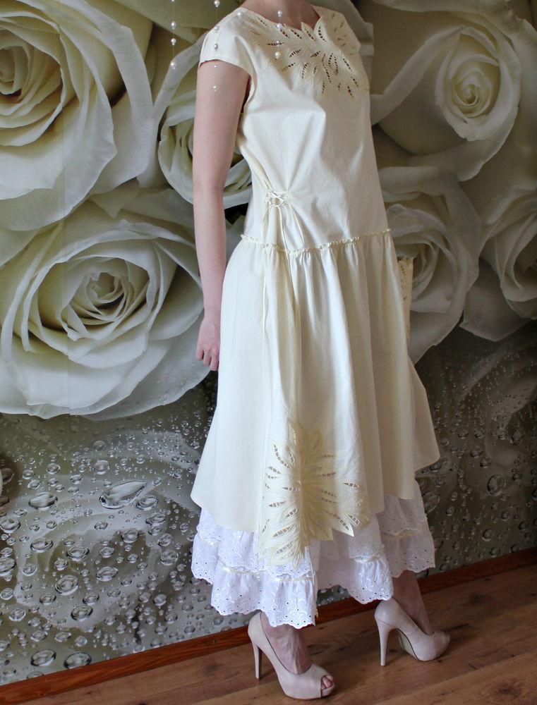 платье цвета экрю
