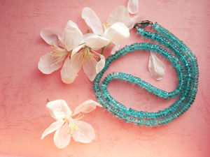Красавец апатит: загадочная глубина морской волны, запечатленная в камне | Ярмарка Мастеров - ручная работа, handmade