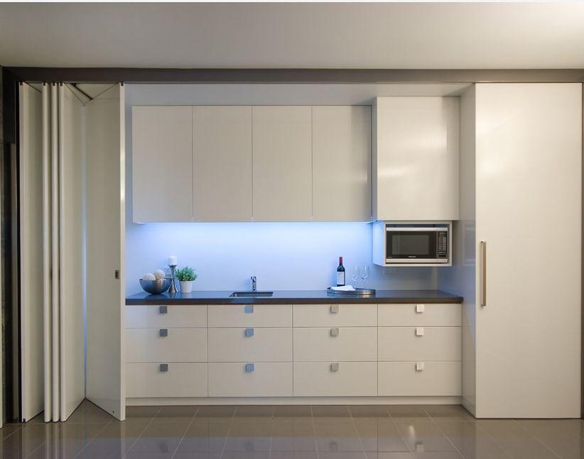 Современные кухни с фотопечатью на фасадах добавившие
