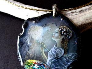 """Кулон с росписью """" Нарисую кистью тонкой .."""" Лаковая миниатюра. Ярмарка Мастеров - ручная работа, handmade."""