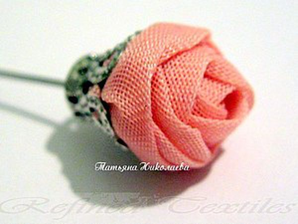 Making a Fabric Rose on a Pin | Livemaster - handmade