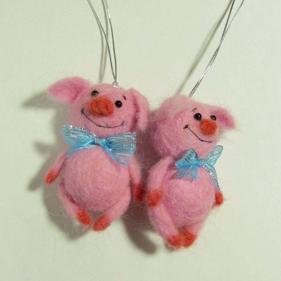 год свиньи, свинка брелок, кабан