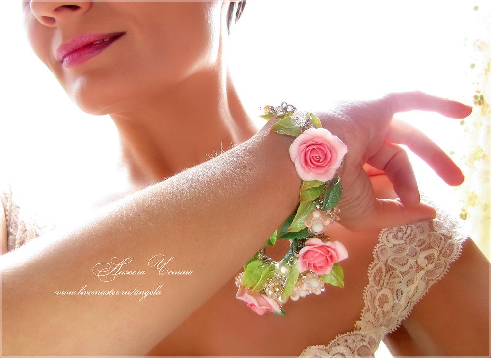 розовые розы браслет