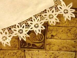 Старинный красивый накамодник с  тонкой ажурной вышивкой ришелье —          « Цветы» .  1950-1970е. Артельная вышивка. Ярмарка Мастеров - ручная работа, handmade.