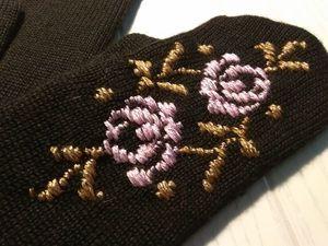 Розы на чёрном. Ярмарка Мастеров - ручная работа, handmade.