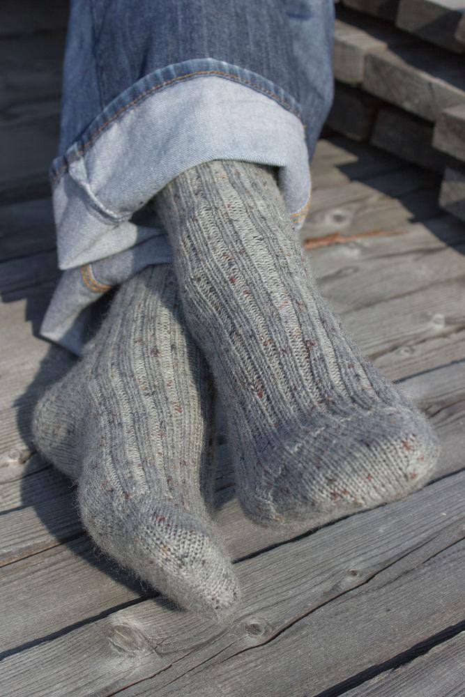 шерстяные носки, мужская шапка, серая шапка