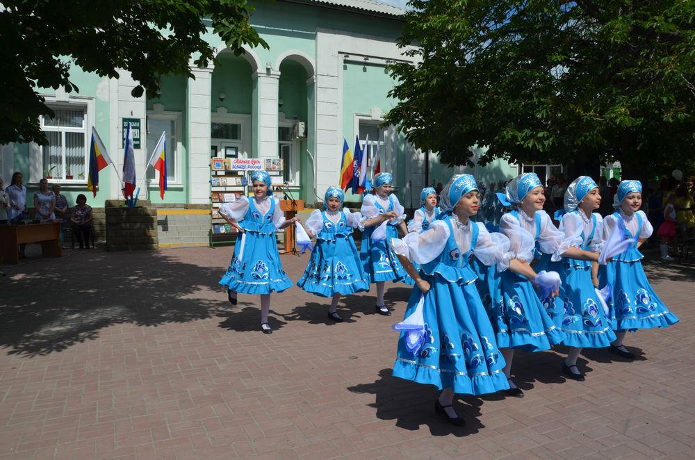 русский народный танец, туфли, платок шелковый