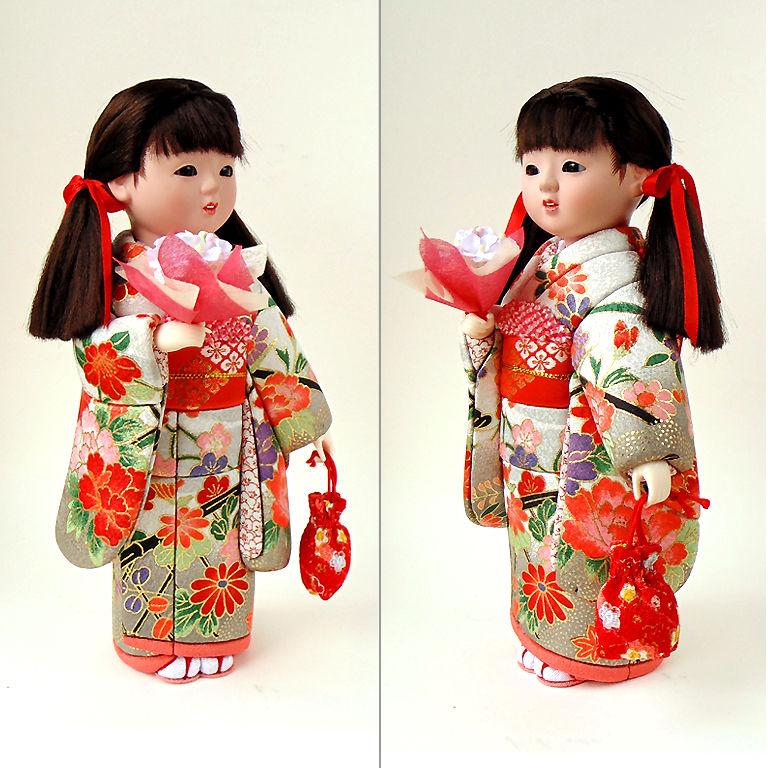кукла в японском костюме
