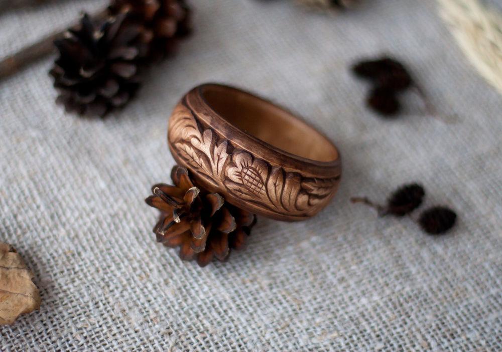 резьба по дереву, коричневый