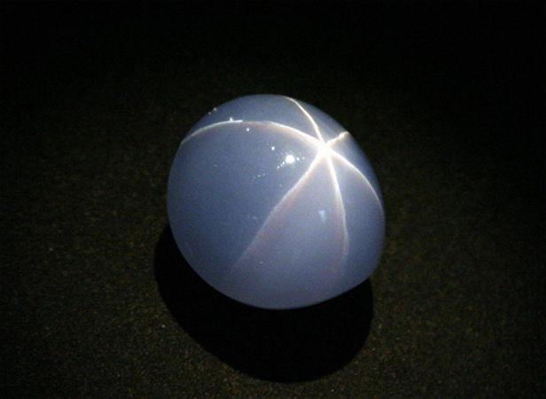 рубин, звездчатый рубин, кабашон, самые знаменитые камни, камни для украшений
