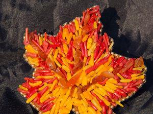 Видеоурок: брошь из бисера и кораллов «Кленовый лист». Ярмарка Мастеров - ручная работа, handmade.