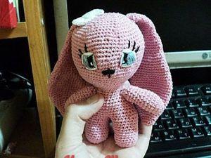 Вяжем крючком зайку «Pink». Ярмарка Мастеров - ручная работа, handmade.