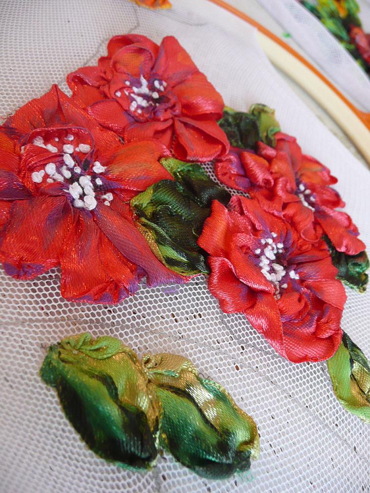 объемная вышивка лентами