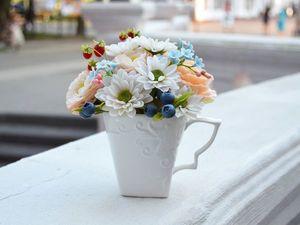 Букет с хризантемами и ягодами. Ярмарка Мастеров - ручная работа, handmade.