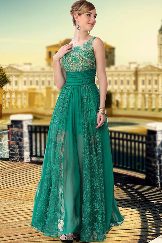 Зелёное платье в пол с кружевом