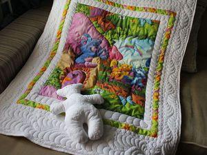 Приглашаю на аукцион: комплект для ребёнка. Лоскутное одеяло и Мишка-игрушка   Ярмарка Мастеров - ручная работа, handmade