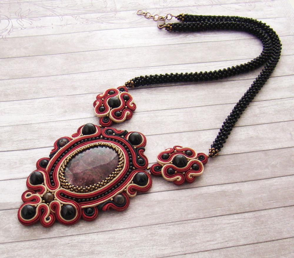 сутажное колье, черный кулон, ожерелье