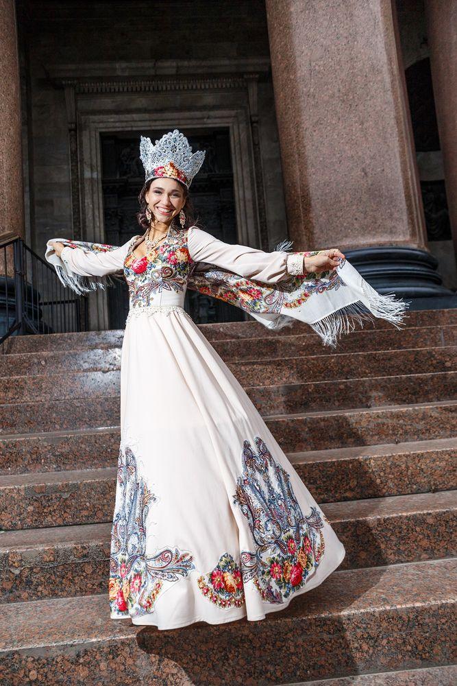 венец, платье из платка