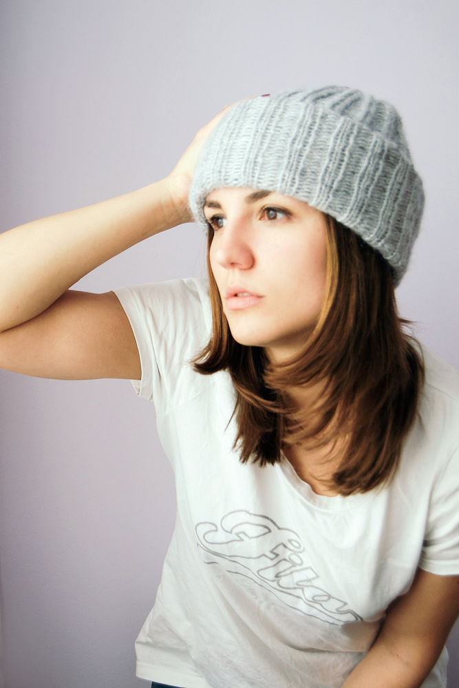 модная шапка, фиолетовая