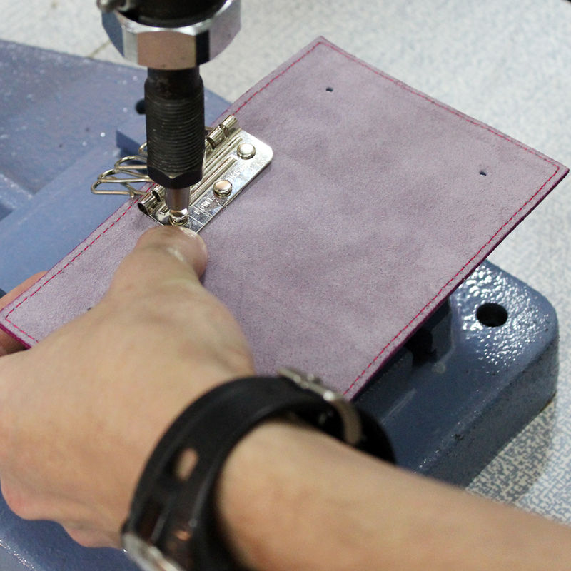Tutorial on Making a Leather Key Bag, фото № 19