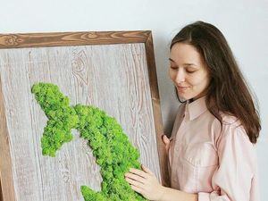 """Новое модульное панно из дерева и мха """"Рыбки — Инь и Ян""""  для озеленения ресторана. Ярмарка Мастеров - ручная работа, handmade."""