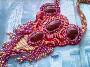 Аукцион на вышитое бисером колье с натуральными халцедонами - закрыт.. Ярмарка Мастеров - ручная работа, handmade.