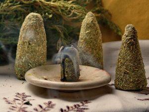 Свечи из натурального пчелиного воска и трав. Ярмарка Мастеров - ручная работа, handmade.