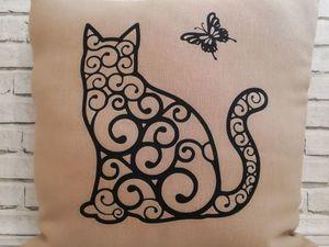 День кошек уже близко. Кому подушечку?. Ярмарка Мастеров - ручная работа, handmade.