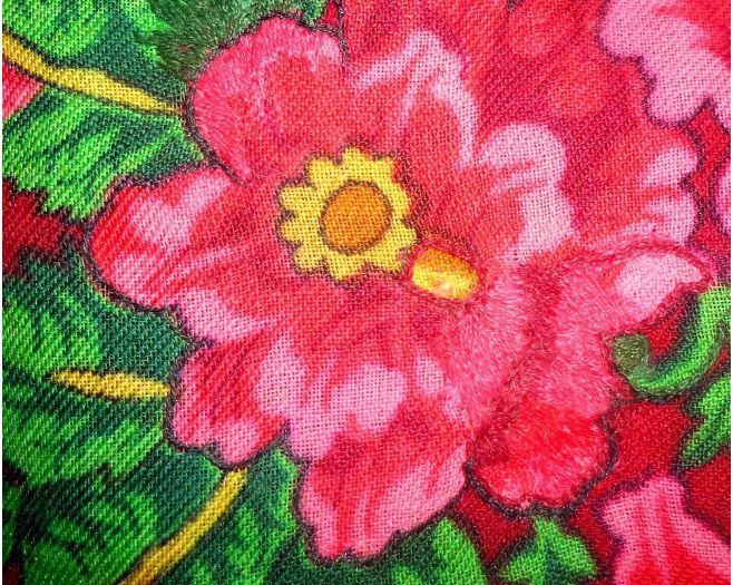 павловопосадский платок, штопаем дыры, вышивка гладью