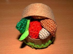 Мастерим корзинку с вязаными яблоками и грибами. Ярмарка Мастеров - ручная работа, handmade.