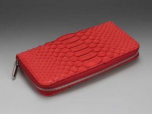 Красный кошелек на молнии из кожи питона (видео обзор). Ярмарка Мастеров - ручная работа, handmade.