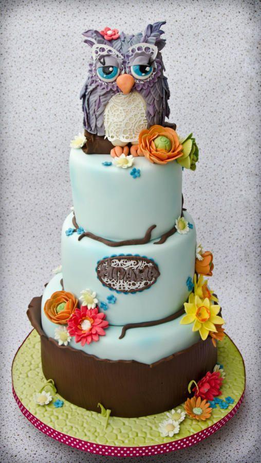 Lady owl cake