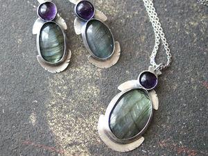 Серебряные серьги и кулон из спектролитов с аметистами. | Ярмарка Мастеров - ручная работа, handmade