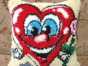 Новая работа. Декоративная подушка. От всего сердца.. Ярмарка Мастеров - ручная работа, handmade.