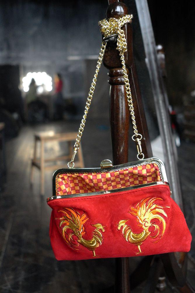 подарок девушке, красное, кожаная сумка