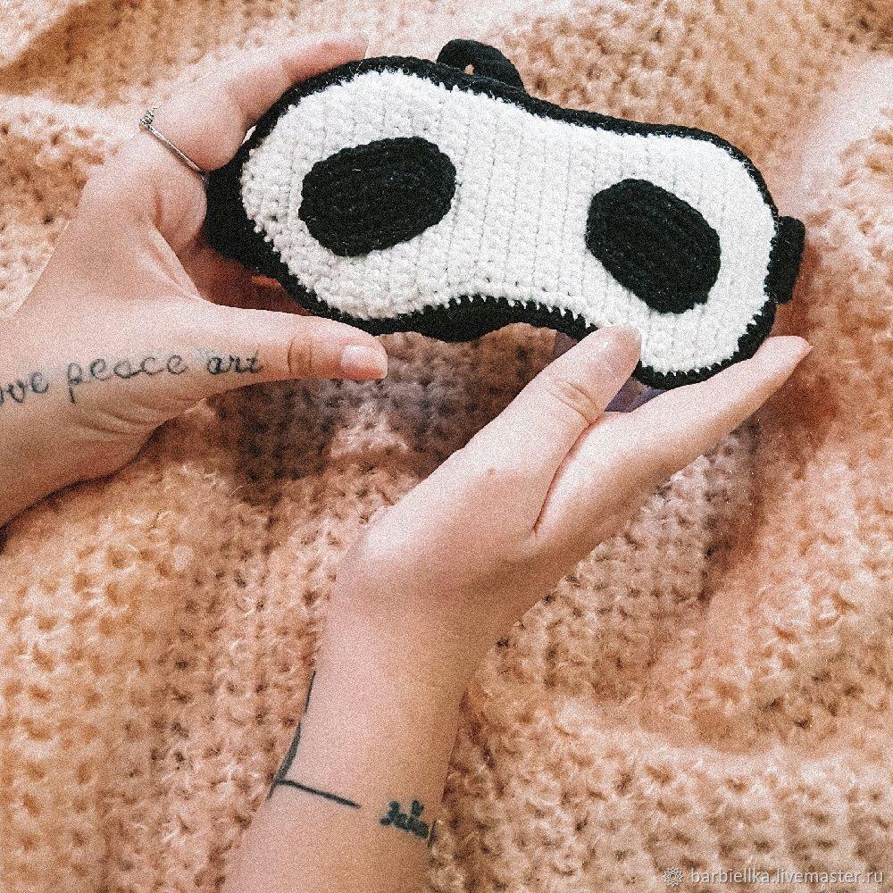 вяжем крючком маску для сна панда ярмарка мастеров