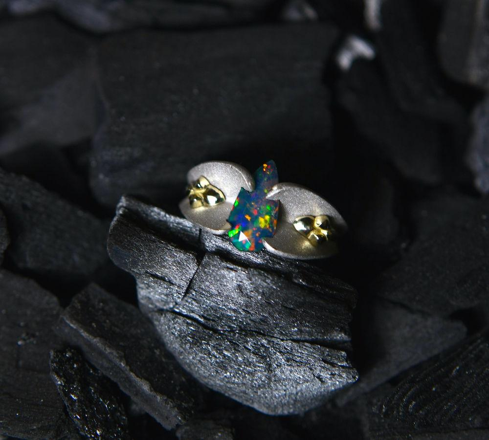 кольцо с опалом, черный опал, натуральный опал