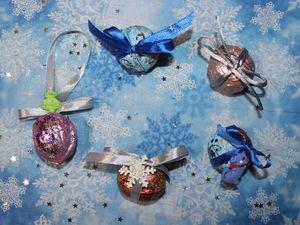 Новогодние орешки-коробочки для маленьких украшений, сувениров покупателям, а также елочные игрушки | Ярмарка Мастеров - ручная работа, handmade