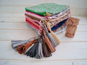 Подарки на 8 марта - яркие косметички с кисточками! | Ярмарка Мастеров - ручная работа, handmade