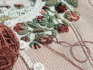Воплощенная женственность в вышивке на трикотаже от Eva Dietrich | Ярмарка Мастеров - ручная работа, handmade