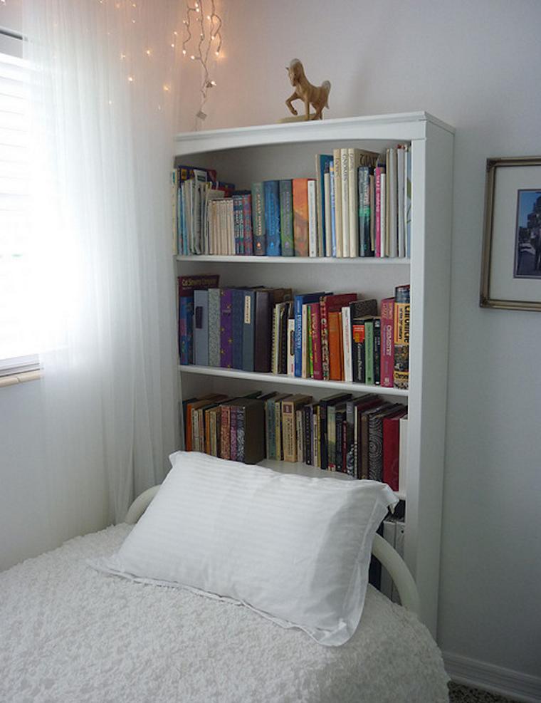 Поиграем в прятки: 45+ идей полок для маленькой квартиры, фото № 23