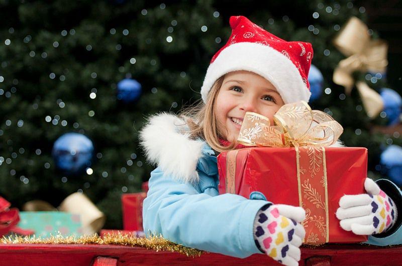 новый год, подарки на новый год, поздравления, счастье, радость, подарок, санта, дед мороз, семья, 2017 год