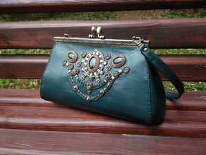 Кожаная сумочка с вышивкой бисером и камнями. Ярмарка Мастеров - ручная работа, handmade.